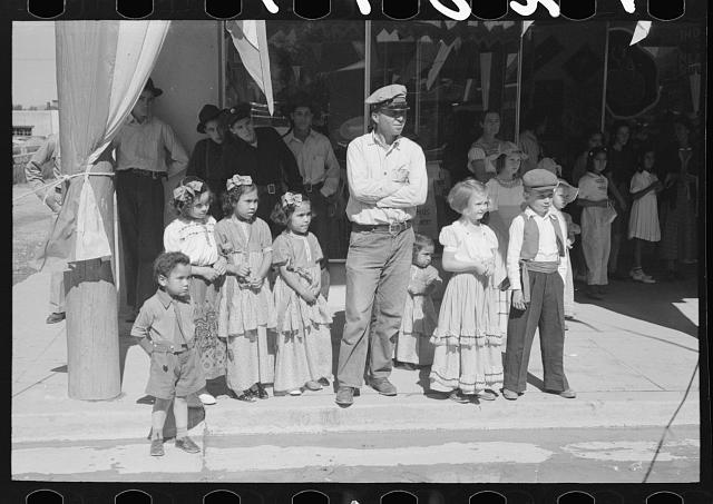 People at taos fiestas 1940
